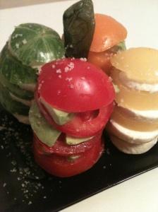 Défilé coloré de tomates