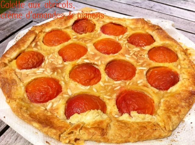 galette aux abricots, crème d'amandes & pignons