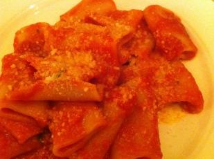 Paccheri tomate-basilic & parmesan