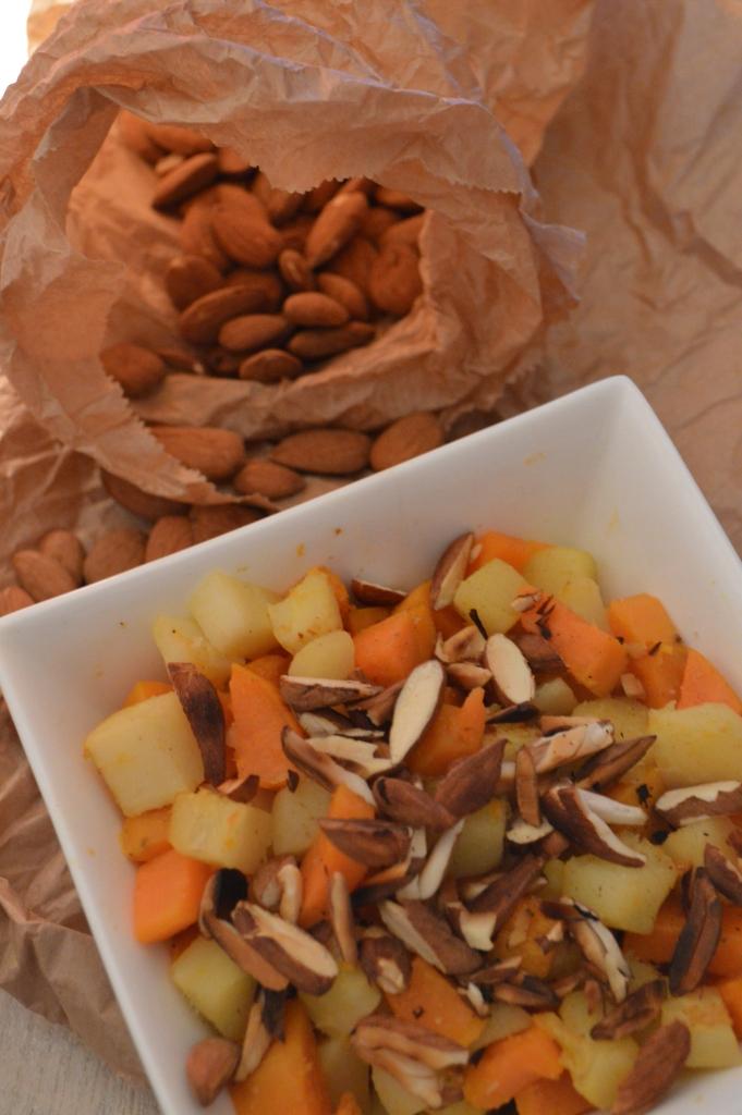 Poêlée de légumes racines & amandes grillées (16)